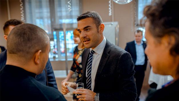 Презентация в салоне Luxury