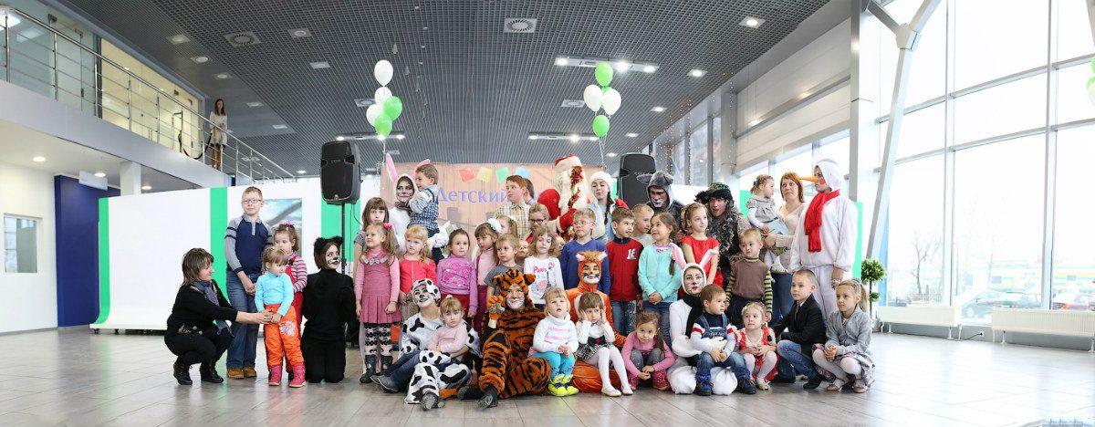 Детский Новый год в автосалоне Skoda